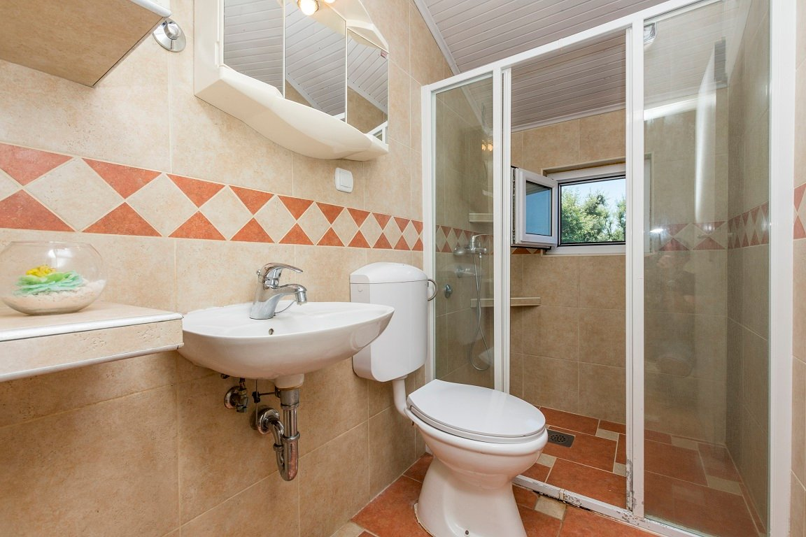 Bathroom of apartment for rent with amazing sea view Utjeha Montenegro