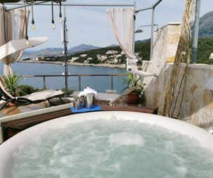 Terrace with jacuzzi sea view